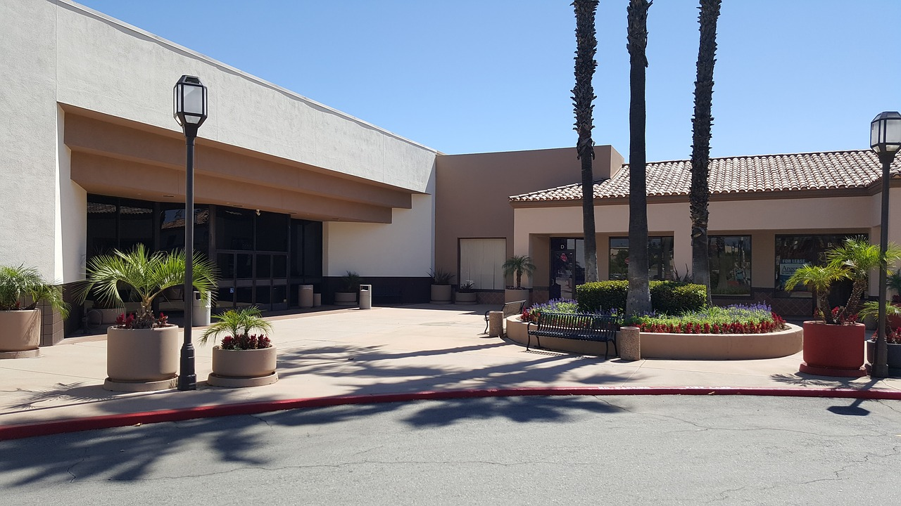 Commercial real estate strip mall