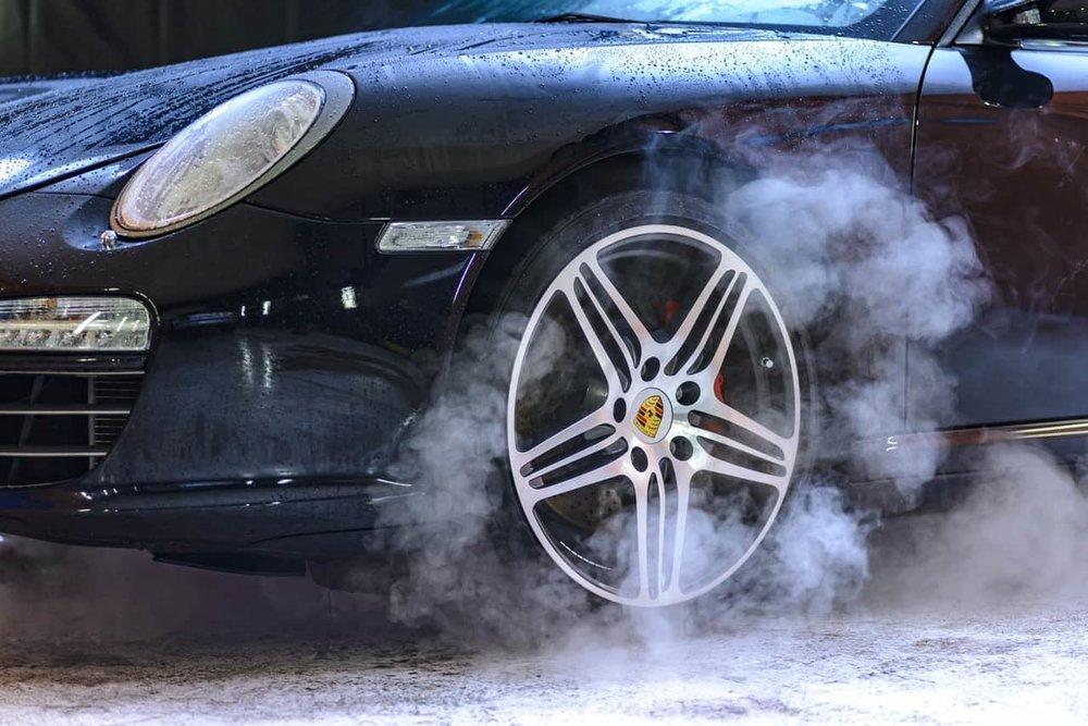 in Strip florida washes car