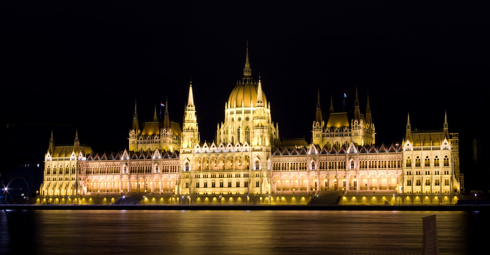 Budapest Night at 2100 for Gallery.jpg