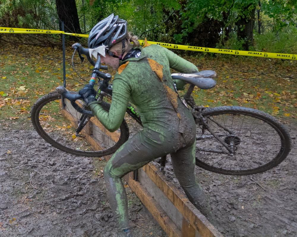 Women Cyclocross Mud Race.jpg