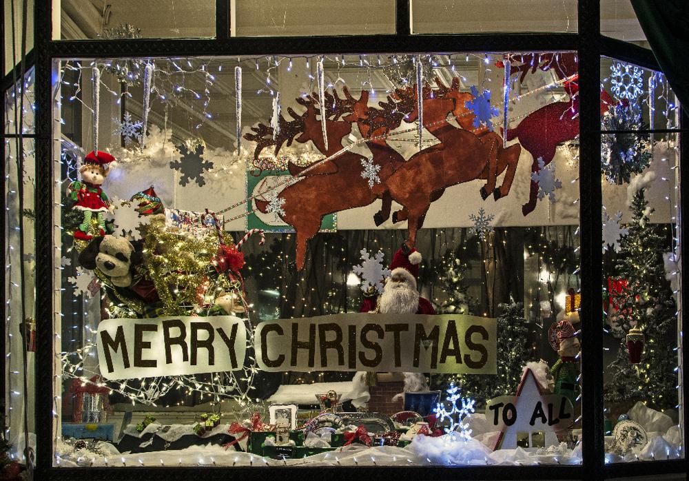 Armbrusters Christmas Window