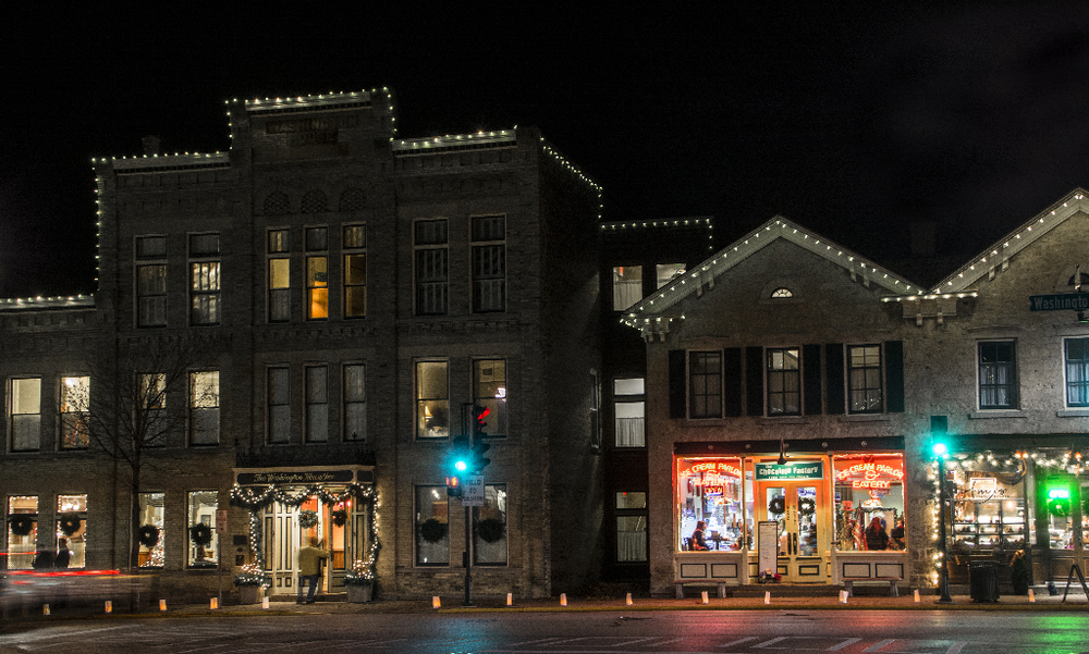 Downtown Cedarburg Christmas Night 1