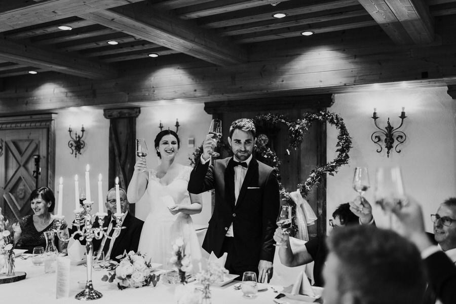 Brautpaar bei der Begrüßungsrede