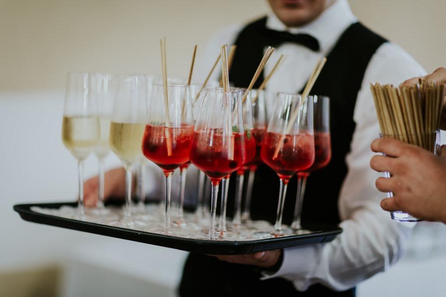 Nahaufnahme der Getränke beim Sektempfang