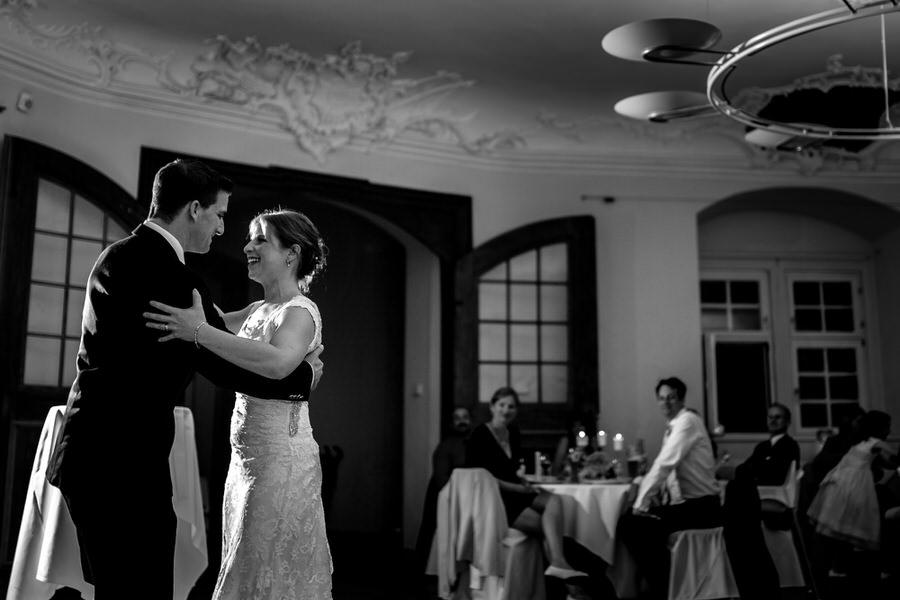 Brautpaartanz im Fuerstensaal  bei Hochzeit am Schloss Kapfenburg