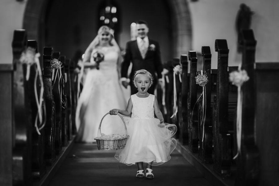 Anastasia Vyatkina - Fotograf Heidenheim - Brautpaar Auszug.jpg