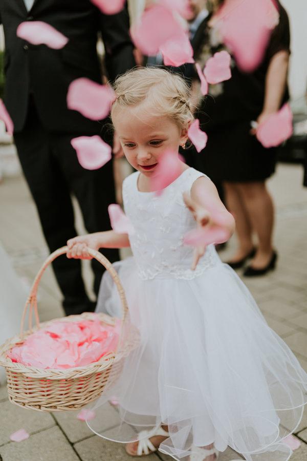 Anastasia Vyatkina - Hochzeitsbilder Ulm - Blumenmädchen.jpg