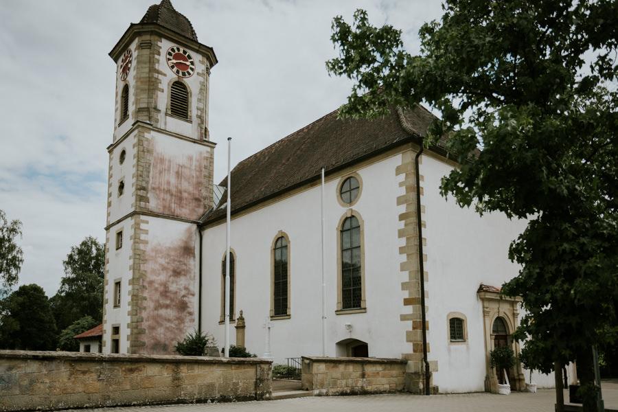 Anastasia Vyatkina - Hochzeitsfotograf Heidenheim - Kirche Außenaussicht.jpg