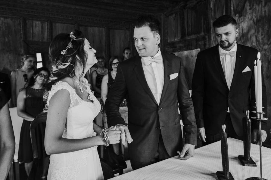 Anastasia - Hochzeitsfotografin für Heubach - Ringentausch.jpg