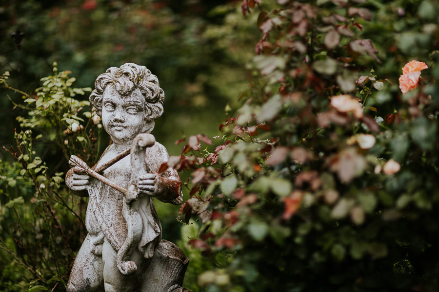 Statue im Schlossgarten im Abstgmünd bei der Hochzeitsfotoreportage Anastasia Vyatkina