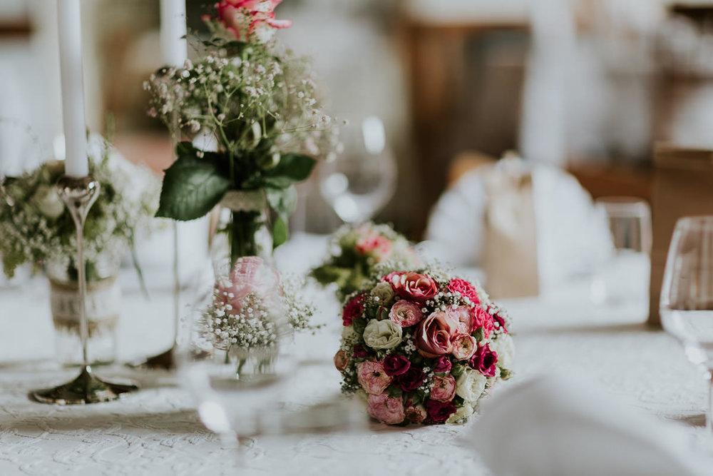 Hochzeitsfotograf Ostalbkreis-Hochzeit-Schloss-Fachsenfeld-Anastasia Vyatkina-Brautpaarbilder-Trauung-0002.jpg