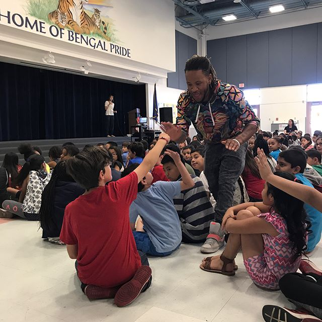 Still savoring the fun day last month @Rogerbryanelementary with JusTme @justmindfulness He brought so much joy to the students and Dr. Brink's staff @lesliebrinks .  It was great to have @wolfheartclub on hand to capture the sweetness.  Stay tuned for the music video release---a heartfelt collaboration @yomindmatters @libbyjaneedson #justmindfulness #wolfheartclub #kindnessisasuperpower#libbylovesyou #changeyourmind #yomindmatters #givetoget #mindfulness #gratefultoserve #ilovemylife #iminspired
