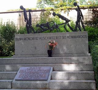 Holocost-Memorial-2