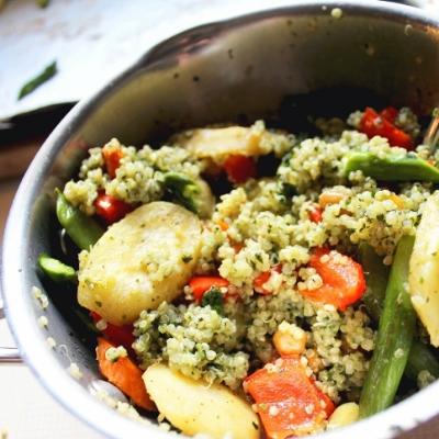 Quinoa Veggie Pesto Bowl