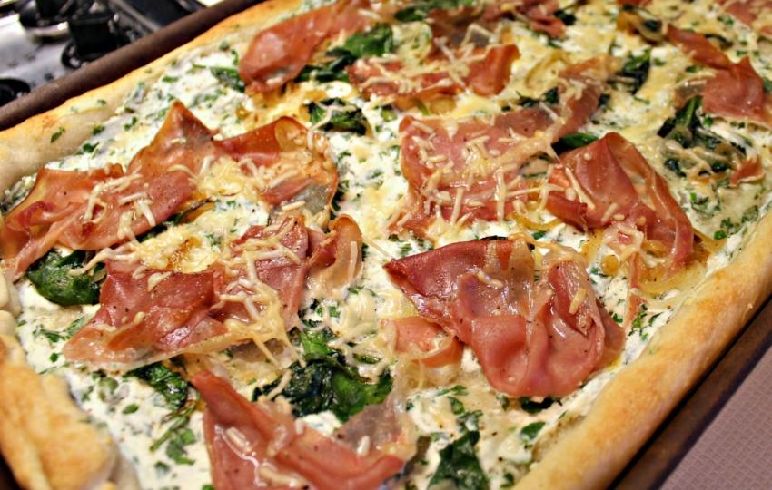 Lattes-Life-Luggage-Prosciutto-Ricotta-Pizza-5.0.jpg