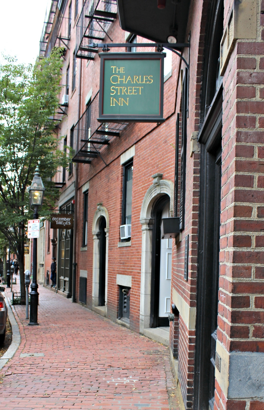 Lattes-Life-Luggage-Beacon-Hill-Neighborhood-Guide-Boston-5.0.jpg