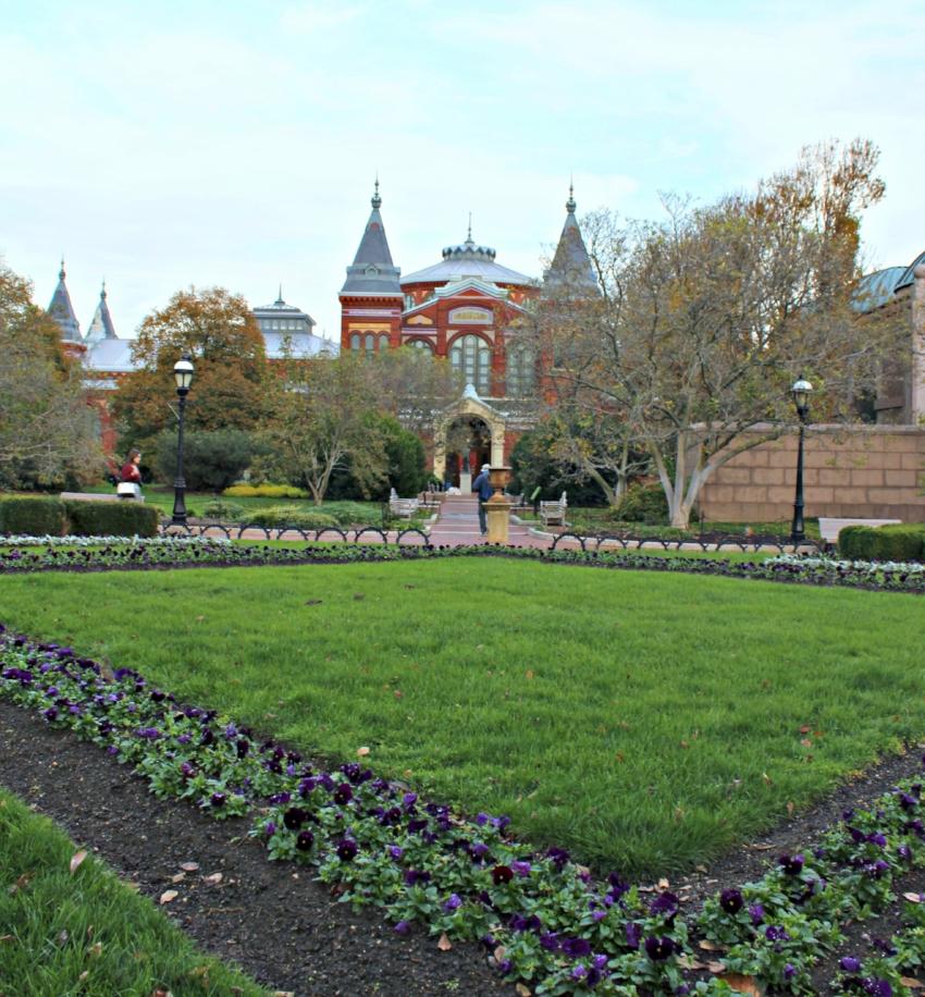Smithsonian Castle ed.jpg