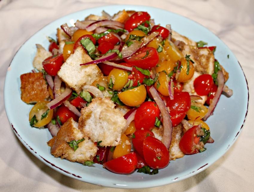 Panzanella Salad 1.0.jpg