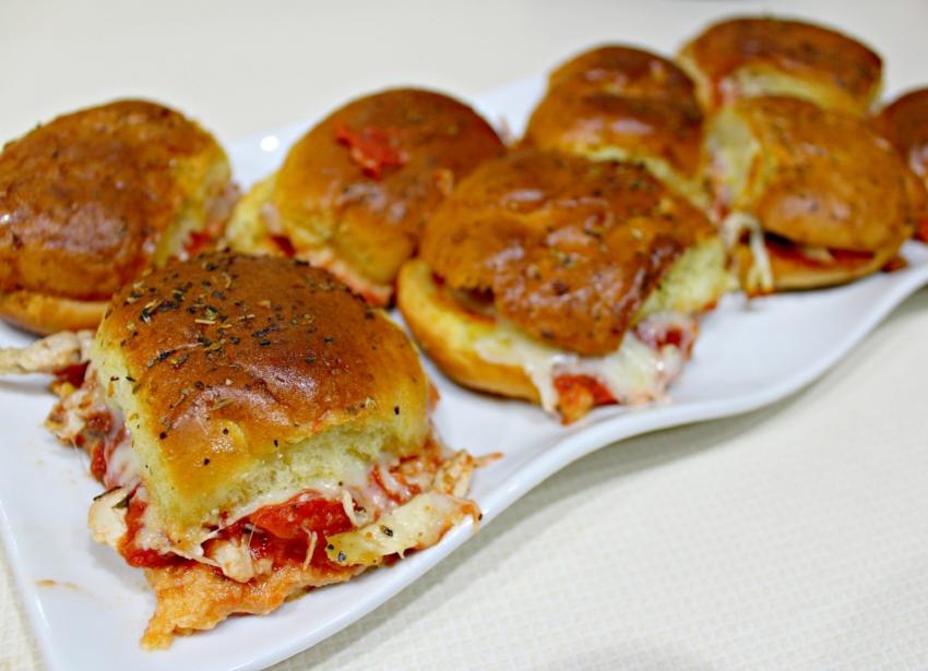 Chicken Parmesan Sliders 5.0.jpg