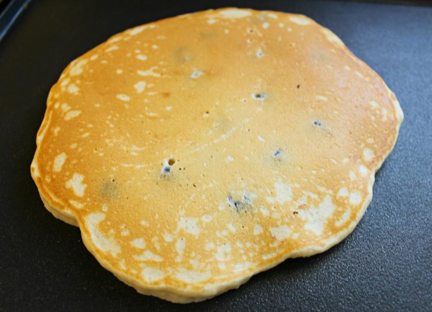 Simple Blueberry Pancakes 6.0.jpg