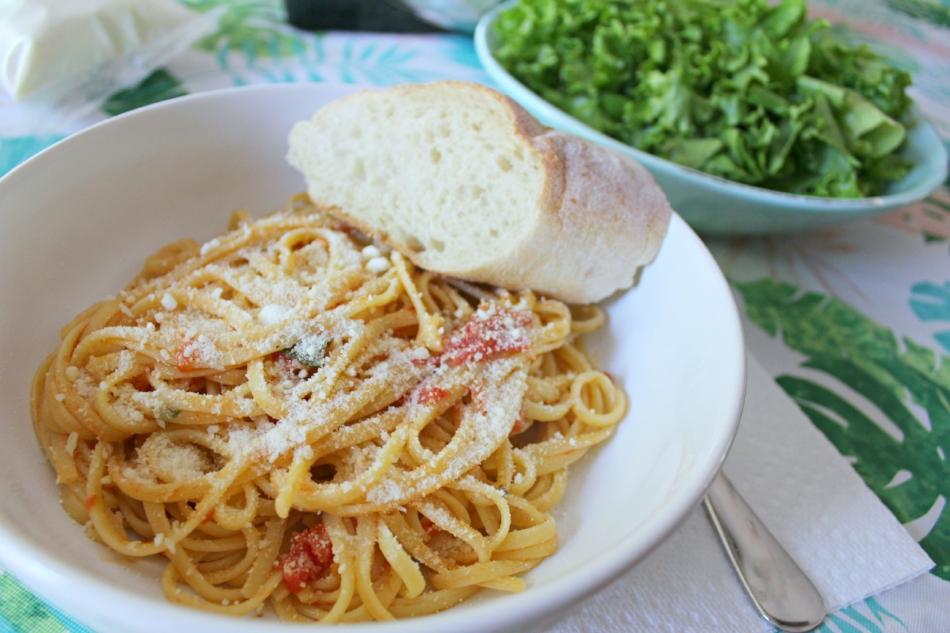 Farmers Market Tomato Sauce 4.0.jpg