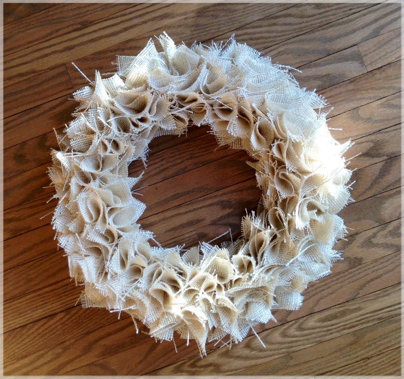 how to cut burlap for wreath
