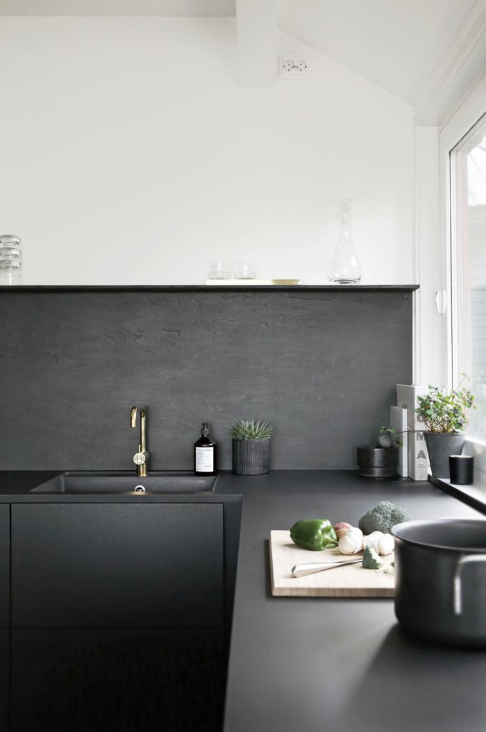 Black-kitchen_jke-design.png