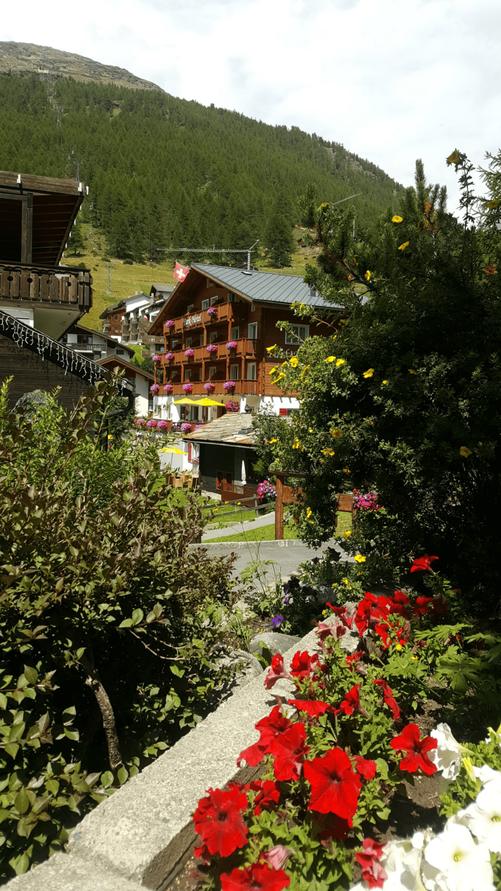 Saas-Fee Switzerland Chalets.png