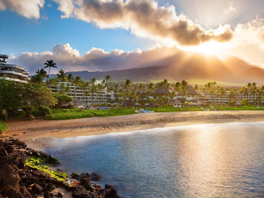 Sheraton-Maui-Exterior-Sunrise.jpg