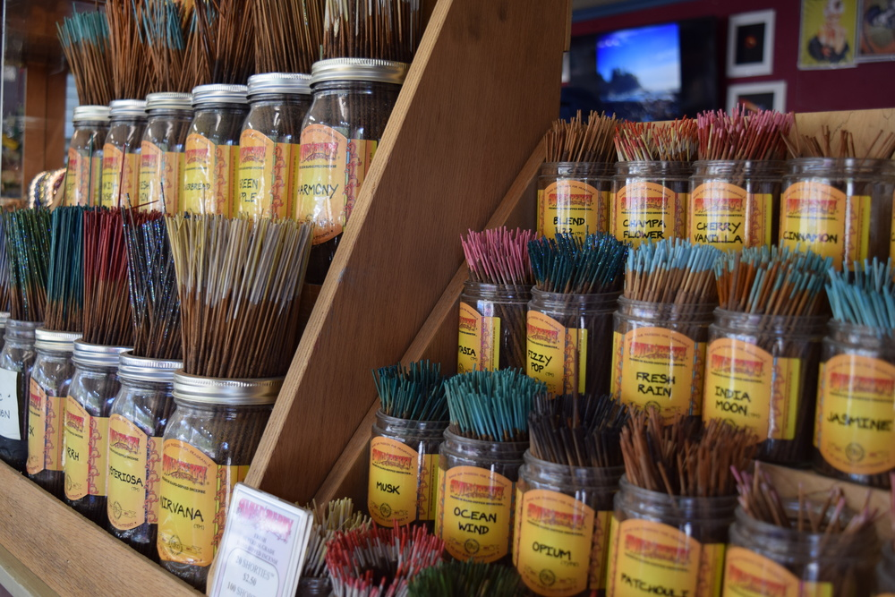 Are you a single type of incense household or do you like a different flavor every day?  I tend to go overboard with a single flavor for like a month then switch.