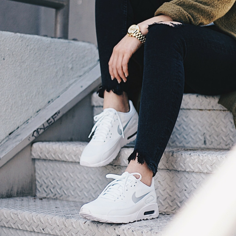 finest selection 016bb 65732 THE PERFECT ATHLEISURE STREETWEAR - NIKE AIR MAX 90 ULTRA — Chelsey Rose