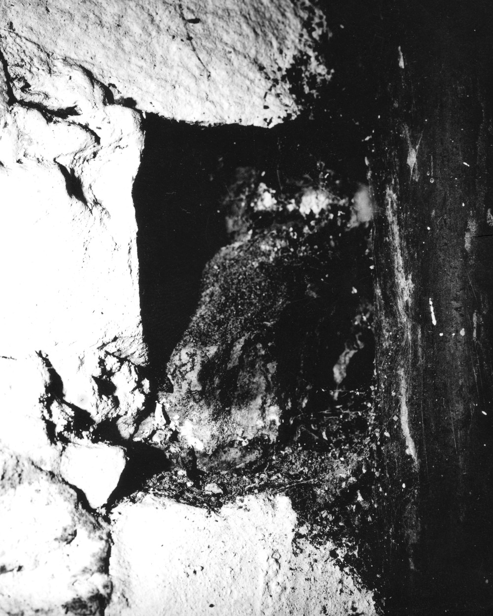 Basementcave3.jpg