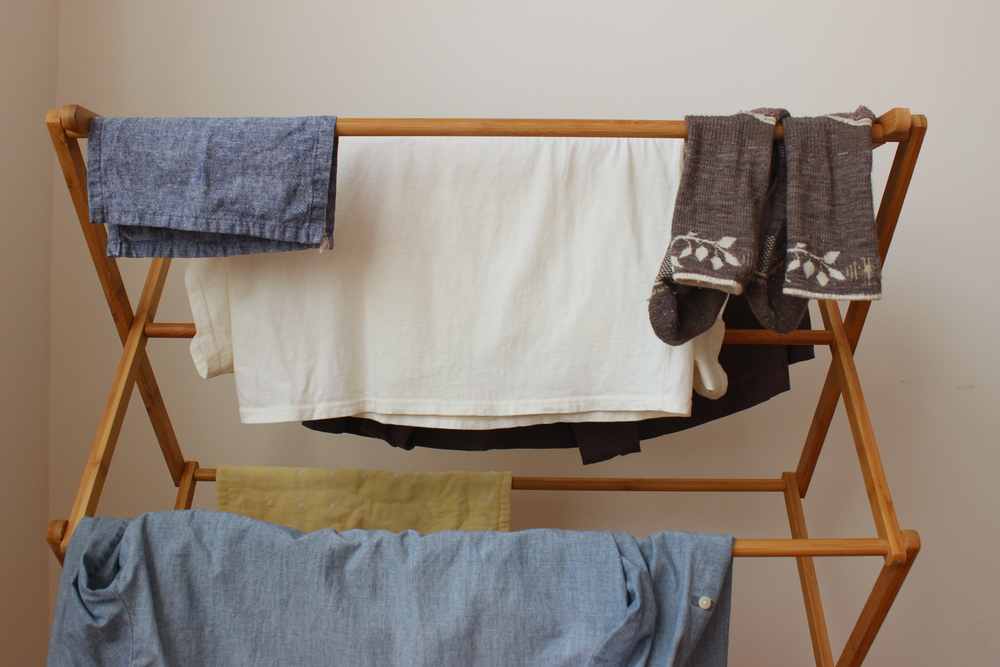 Air-dry clothes for sustainable, zero waste laundry | Litterless