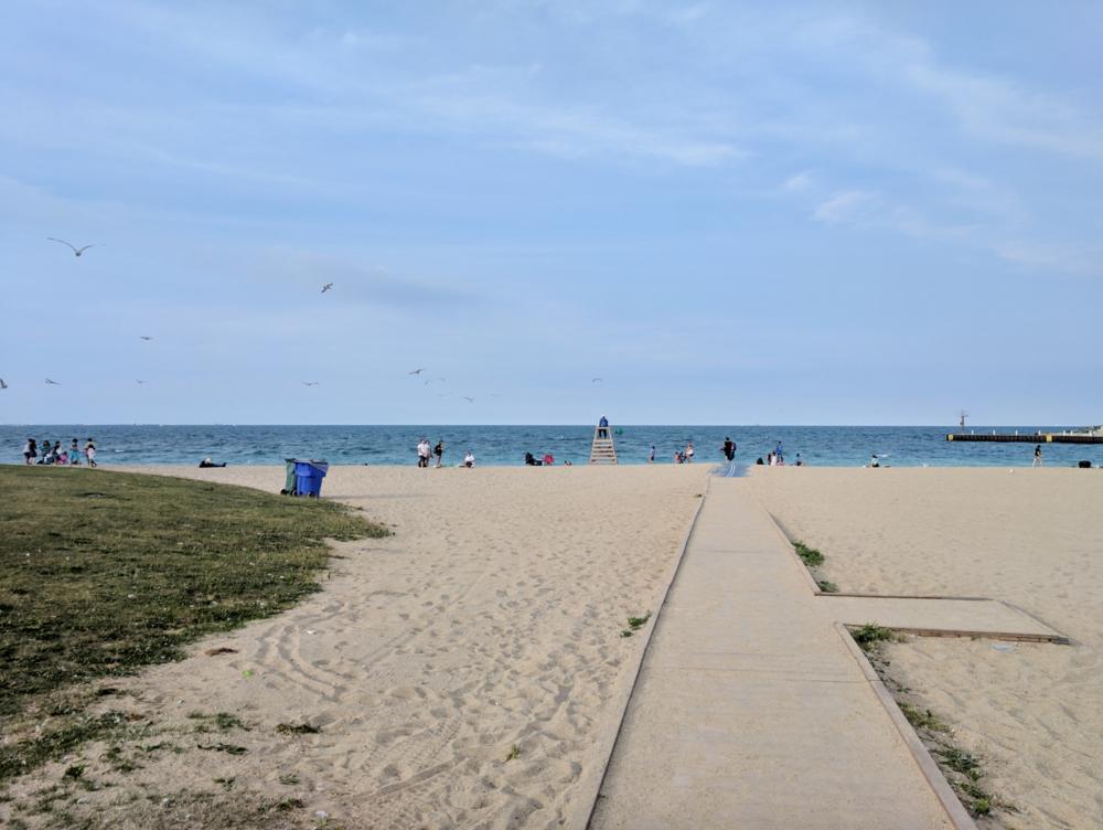 Zero Waste Chicago beach clean-up | Litterless