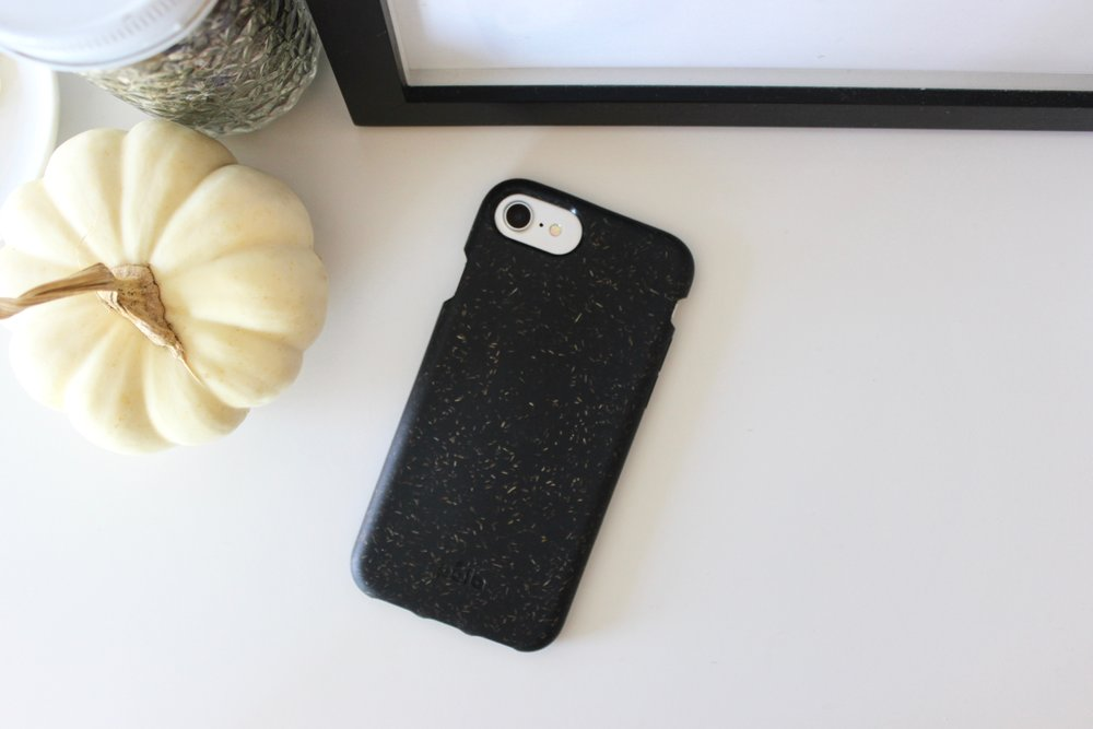 Zero-waste, plastic-free compostable and recyclable phone case from Pela Case | Litterless