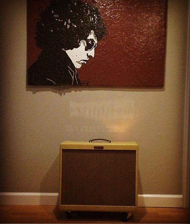Plug in and jam with Bob. #wrightgear #bobdylan #fender #bluesdeville #tweed #art #ducttape #vibes