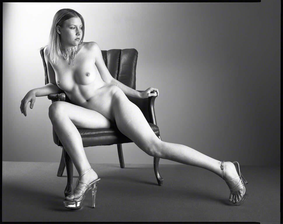 09-724 Summer on Black Chair.jpg