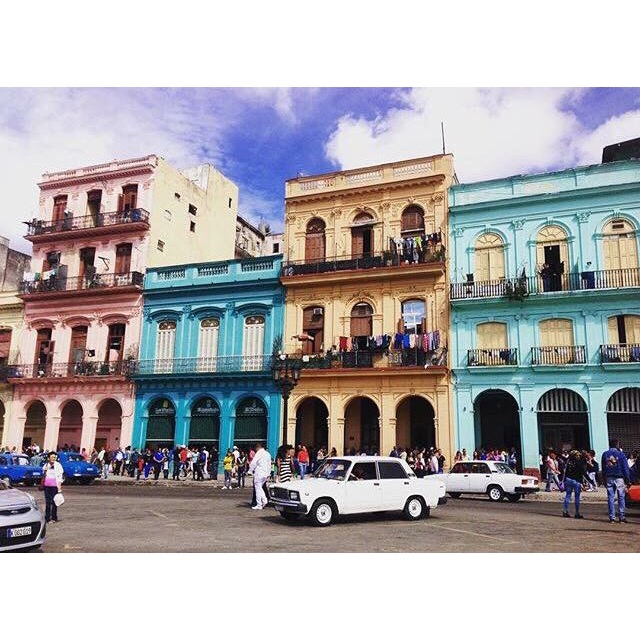 @nadiaaa5  got the chance to explore Havana, Cuba and see some of its classic cars!