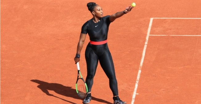 Serena Williams serves at Roland Garros, in Paris, on May 29, 2018. Pierre Rene-Worms, FMM (France Medias Monde)