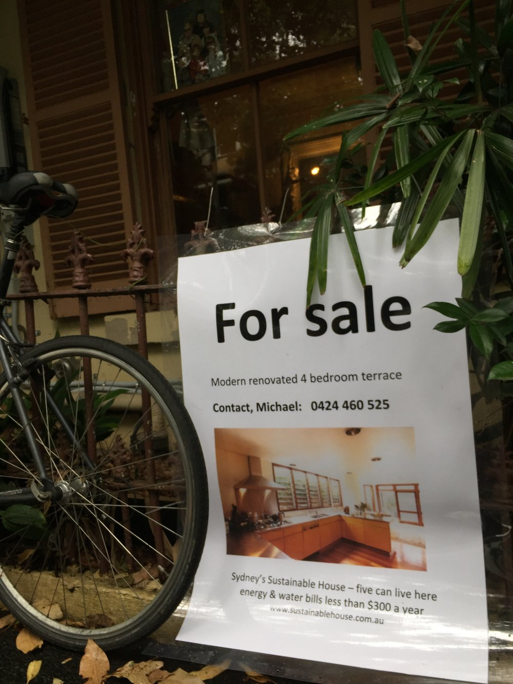 •   I'm selling it - there is no agent. Contact me: michael@sustainablehouse.com.au or 0424 460 525