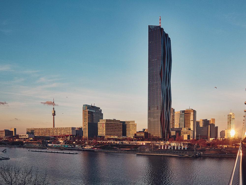 Wien - Reichsbrücke - DC Tower