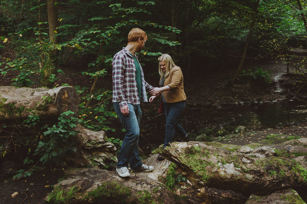 Fiona & Graeme's Edinburgh couple shoot at Blackford Hill & Hermitage of Braid