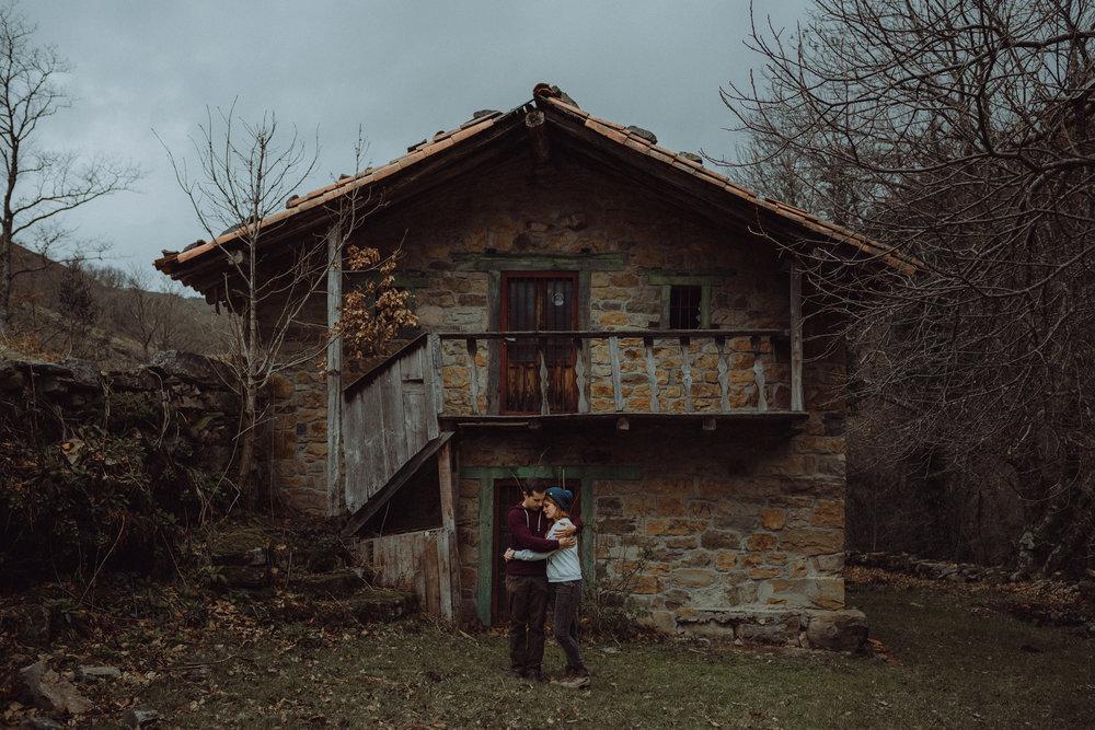 Adrian & Fany - Couples photoshoot in Barcena Mayor, Cantabria. Spain, 2016