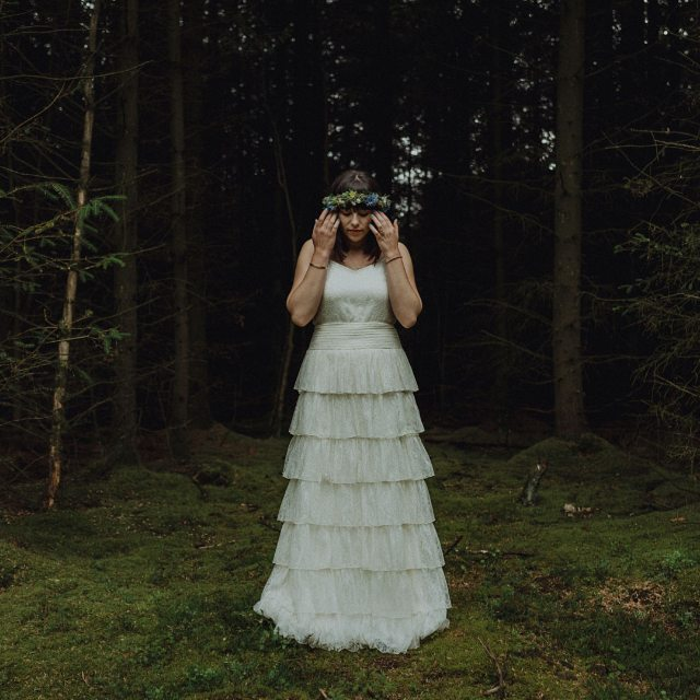 As if she's just escaped from the pages of fairytale book! #realbride #bohobride #edenleisurevillagewedding