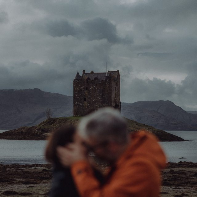 Kisses and castles. Isn't Scotland the perfect background to a love story? #scotspirit #explorescotland #scotlandweddingphotography