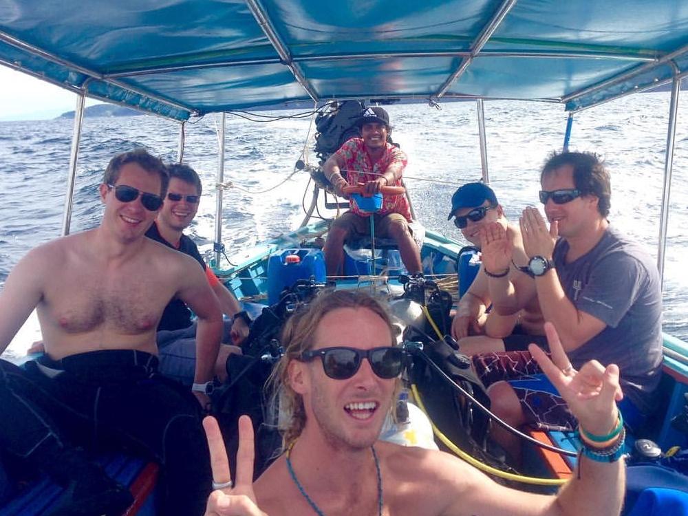 Dive Packages + Dive Clubs - Beachfront Divers - Koh Phi Phi, Thailand