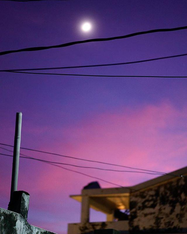 Moon rise 🏔  #mooninmyheart #moonrisekingdom #orchidisland #pacificocean🌊