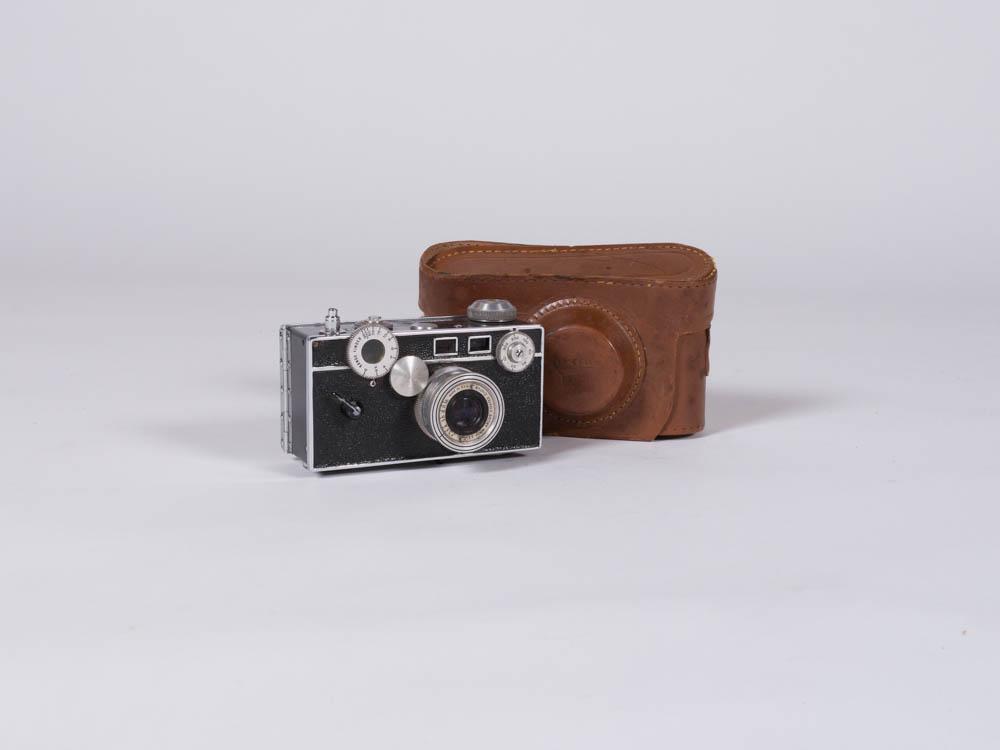 Dorothea Camera Set 2 - Provenance Vintage Rentals Los Angeles Vintage Camera Rental Travel Theme Props Prop Styling Party Rentals Specialty Rentals Los Angeles.jpg
