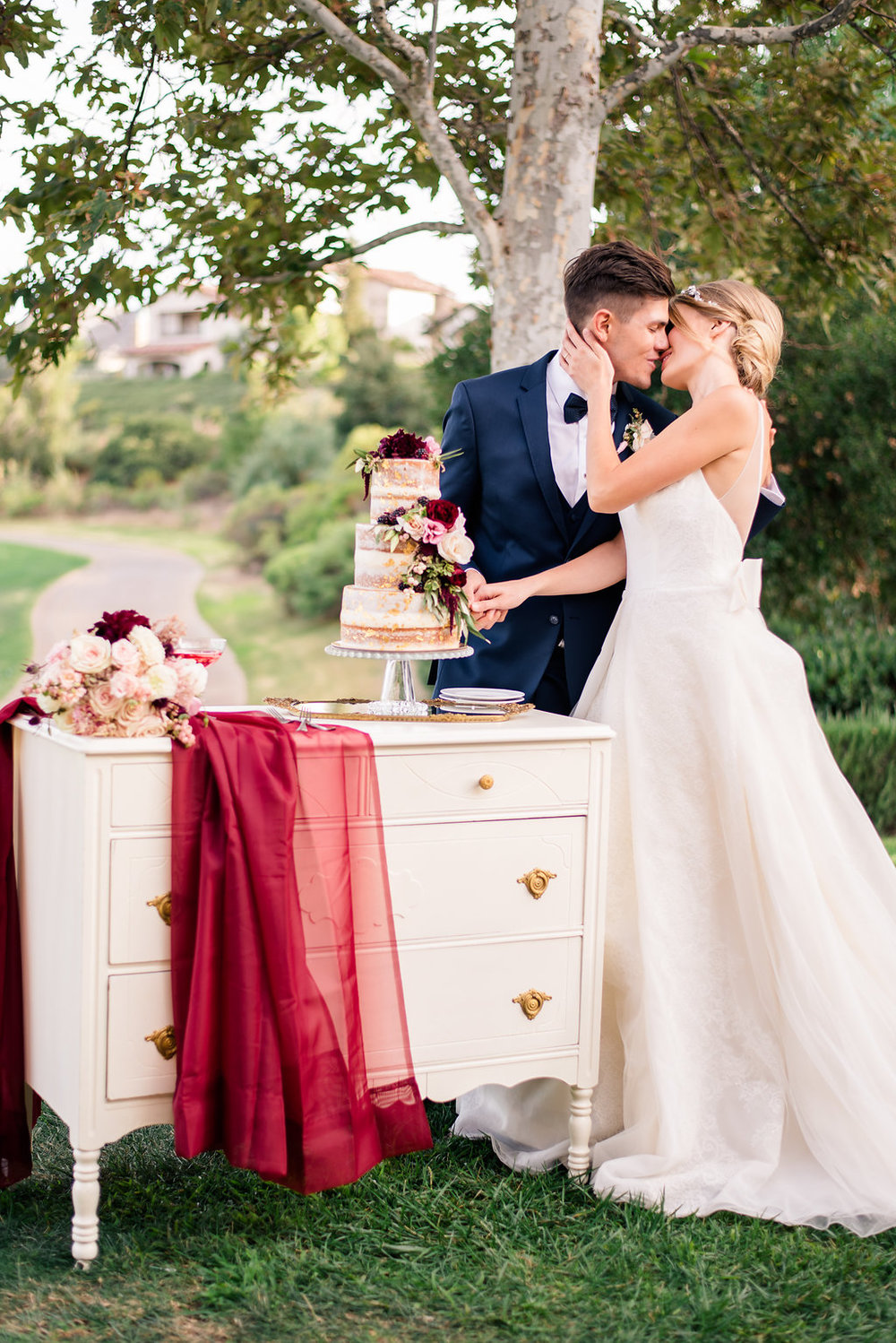 Featured on Strictly Weddings & The Coordinated Bride | Photo by Melissa Brannon