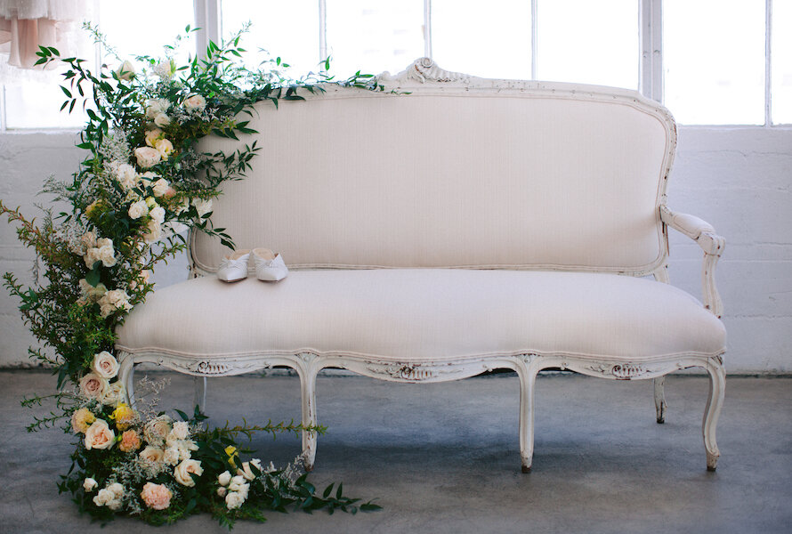 Lisa Shabby Chic White Settee